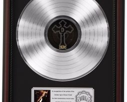 2PAC-ME-AGAINST-THE-WORLD-PLATINUM-LP-RECORD-FRAMED-CHERRYWOOD-DISPLAY-K1-182137085130