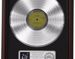 ALICE-COOPER-LOVE-IT-TO-DEATH-PLATINUM-LP-RECORD-FRAMED-CHERRYWOOD-DISPLAY-K1-172211630380