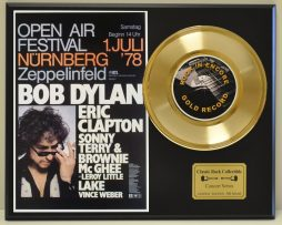 BOB-DYLAN-ERIC-CLAPTON-LTD-EDITION-CONCERT-POSTER-SERIES-GOLD-45-DISPLAY-181234528700