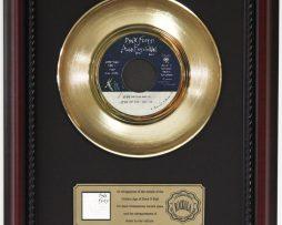 PINK-FLOYD-WALL-GOLD-RECORD-FRAMED-CHERRYWOOD-DISPLAY-K1-182129061950