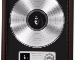 ACE-FREHLEY-PLATINUM-LP-RECORD-FRAMED-CHERRYWOOD-DISPLAY-K1-172211627411