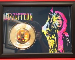LED-ZEPPELIN-LARGE-FRAMED-24kt-GOLD-45-RECORD-DISPLAY-FREE-US-SHIPPING-170949746961