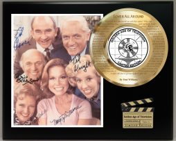MARY-TYLER-MOORE-SHOW-LIMITED-EDITION-SIGNATURE-AND-THEME-SONG-SERIES-DISPLAY-181754061961