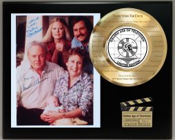 ALL-IN-THE-FAMILY-LIMITED-EDITION-SIGNATURE-AND-THEME-SONG-SERIES-DISPLAY-181753636382