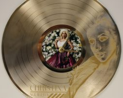 CHRISTINA-AGUILERA-2-ETCHED-GOLD-PLATED-LP-RECORD-WALL-CLOCK-FREE-SHIPPING-181893057832
