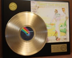 ELTON-JOHN-GOLD-LP-RECORD-DISPLAY-ACTUALLY-PLAYS-GOODBYE-YELLOW-BRICK-ROAD-171016817082