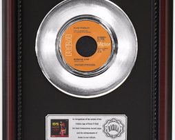 ELVIS-PRESLEY-BURNING-LOVE-PLATINUM-RECORD-FRAMED-CHERRYWOOD-DISPLAY-K1-182128922272