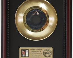 ELVIS-PRESLEY-RETURN-TO-SENDER-GOLD-RECORD-CUSTOM-FRAMED-CHERRYWOOD-DISPLAY-K1-182089322132