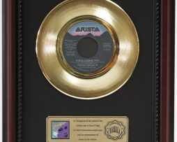 ARETHA-FRANKLIN-WHOS-ZOOMIN-GOLD-RECORD-CUSTOM-FRAMED-CHERRYWOOD-DISPLAY-K1-172159645963