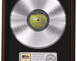BADFINGER-ASS-PLATINUM-LP-RECORD-FRAMED-CHERRYWOOD-DISPLAY-K1-172211632513