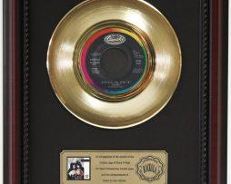 HEART-ALONE-GOLD-RECORD-CUSTOM-FRAMED-CHERRYWOOD-DISPLAY-K1-182089336923