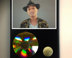 PHARRELL-WILLIAMS-LIMITED-EDITION-24kt-GOLD-CD-DISPLAY-181456580253