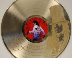 Alice-Cooper-Gold-Laser-Etched-Limited-Edition-12-LP-Wall-Display-Ships-Free-181380105834