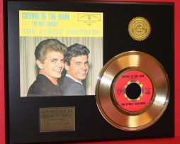 EVERLY-BROTHERS-RARE-GOLD-45-RECORD-CRYING-IN-THE-RAIN-LTD-EDITION-181145667574