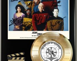 STAR-TREK-THE-NEXT-GENERATION-LTD-SIGNATURE-LASER-ETCHED-TV-SERIES-DISPLAY-181773040864