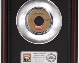 TRAVELING-WILBURYS-WITH-CARE-PLATINUM-FRAMED-RECORD-CHERRYWOOD-DISPLAY-K1-182130365164
