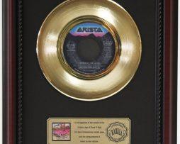 ARETHA-FRANKLIN-FREEWAY-OF-LOVE-GOLD-RECORD-CUSTOM-FRAME-CHERRYWOOD-DISPLAY-K1-172163988965