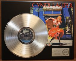 CYNDI-LAUPER-PLATINUM-LP-LTD-EDITION-RECORD-DISPLAY-AWARD-QUALITY-ITEM-170864375825