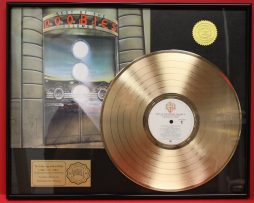 DOOBIE-BROTHERS-CUSTOM-FRAMED-PREMIUM-GOLD-AWARD-QUALITY-RECORD-DISPLAY-180994870075