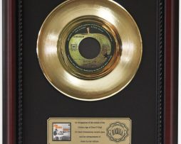 JOHN-LENNON-IMAGINE-GOLD-RECORD-FRAMED-CHERRYWOOD-DISPLAY-K1-182128984995