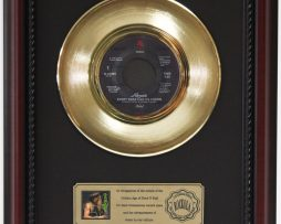 POISON-EVERY-ROSE-HAS-ITS-THORN-GOLD-RECORD-FRAMED-CHERRYWOOD-DISPLAY-K1-172204409645