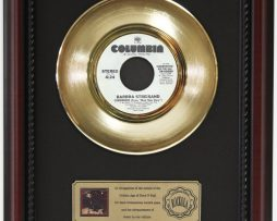 BARBARA-STREISAND-SOMEWHERE-GOLD-RECORD-CUSTOM-FRAMED-CHERRYWOOD-DISPLAY-K1-182088980926