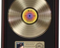 BB-KING-KING-SIZE-GOLD-LP-RECORD-FRAMED-CHERRYWOOD-DISPLAY-K1-182130384046