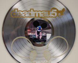 Deadmau5-Platinum-Laser-Etched-Limited-Edition-12-LP-Wall-Display-181437920736