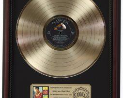 ELVIS-PRESLEY-BLUE-HAWAII-GOLD-LP-RECORD-FRAMED-CHERRYWOOD-DISPLAY-K1-182130417276
