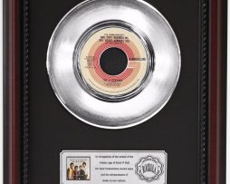4-SEASONS-AND-THAT-REMINDS-ME-PLATINUM-RECORD-FRAMED-CHERRYWOOD-DISPLAY-K1-182128850997