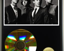ARCTIC-MONKEYS-LIMITED-EDITION-24kt-GOLD-CD-DISPLAY-181456502927
