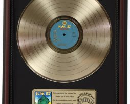 BLINK-182-BUDDHA-GOLD-LP-RECORD-FRAMED-CHERRYWOOD-DISPLAY-K1-182130388677
