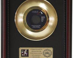 ELVIS-PRESLEY-MEDLEY-GOLD-RECORD-CUSTOM-FRAMED-CHERRYWOOD-DISPLAY-K1-182089325777