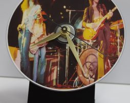 LED-ZEPPELIN-3-PICTURE-CD-DESK-CLOCK-WITH-BLACK-ACRYLIC-BASE-172151925827