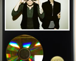 TEGAN-AND-SARA-LIMITED-EDITION-24kt-GOLD-CD-DISPLAY-181456611567