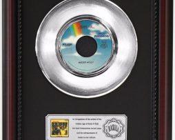 BUDDY-HOLLY-PEGGY-SUE-PLATINUM-RECORD-FRAMED-CHERRYWOOD-DISPLAY-K1-172204264908