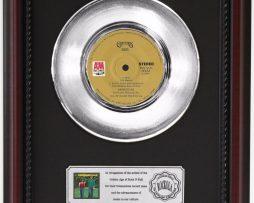 CARPENTERS-SING-PLATINUM-RECORD-FRAMED-CHERRYWOOD-DISPLAY-K1-172204266868
