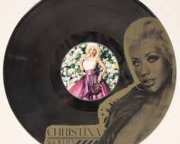 CHRISTINA-AGUILERA-2-BLACK-VINYL-LP-ETCHED-W-ARTISTS-IMAGE-LIMITED-EDITION-181461614098