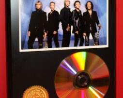 DEF-LEPPARD-LIMITED-24kt-GOLD-CD-DISC-COLLECTIBLE-AWARD-QUALITY-DISPLAY-171349746328