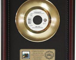 FLEETWOOD-MAC-FAMILY-MAN-GOLD-RECORD-CUSTOM-FRAMED-CHERRYWOOD-DISPLAY-K1-172164216388