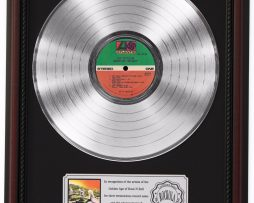 LED-ZEPPELIN-HOUSES-OF-HOLY-PLATINUM-LP-RECORD-FRAMED-CHERRYWOOD-DISPLAY-K1-172212685738