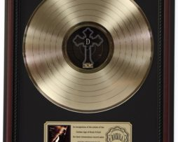 2-PAC-ME-AGAINST-THE-WORLD-GOLD-LP-RECORD-FRAMED-CHERRYWOOD-DISPLAY-K1-172205665259