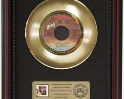 BAD-COMPANY-ROCK-N-ROLL-FANTASY-GOLD-RECORD-CUSTOM-FRAME-CHERRYWOOD-DISPLAY-K1-172163991249