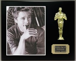 BRAD-PITT-Reproduction-Signed-8-x-10-Photo-LTD-Edition-Oscar-Display-171885288799