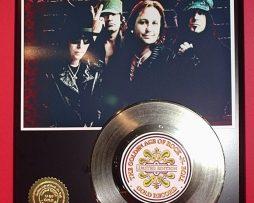 MOTLEY-CRUE-LTD-EDITION-GOLD-45-RECORD-DISPLAY-181454491929