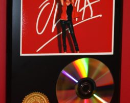 OLIVIA-NEWTON-JOHN-24kt-GOLD-CDDISC-COLLECTIBLE-RARE-AWARD-QUALITY-PLAQUE-180861215519