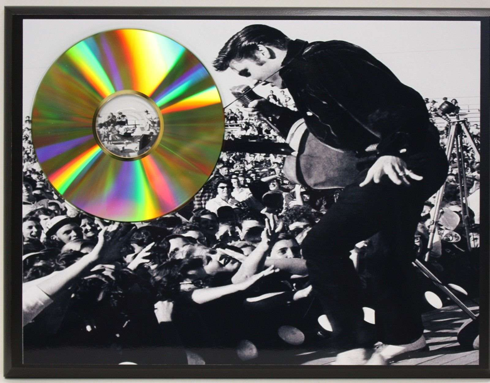 elvis presley 24 kt ltd edition gold cd plaque free u s priority shipping gold record awards. Black Bedroom Furniture Sets. Home Design Ideas