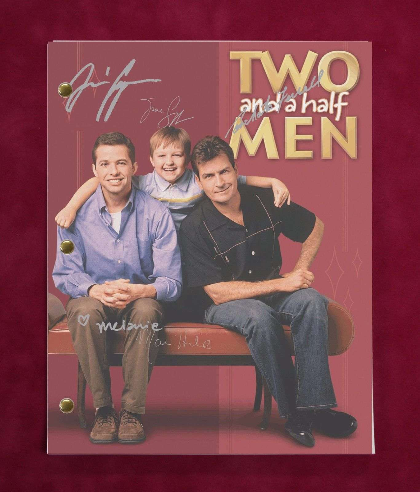 Two And A Half Men Tv Script W/ Reproduction Signatures Sheen Cryer Jones C3