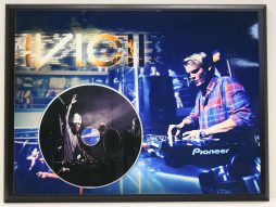 CD Music Display